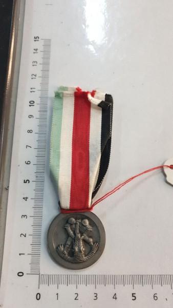 Italien Medalie silber