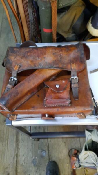 Orginal Holzflugzeug aus der Zeit Henschel129 Aufklärer 2 Proellerblätter fehlen