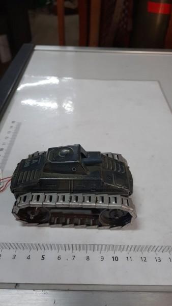 Blechpanzer Arnold ohne Schlüssel