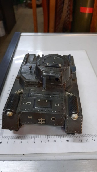 VERKAUFT-Blechpanzer Gamma ohne Schlüssel