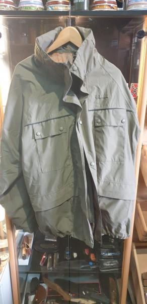 Regenhose und Jacke der Militärolizei neuwertig