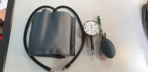 Blutdruckmessgerät CH-Armee