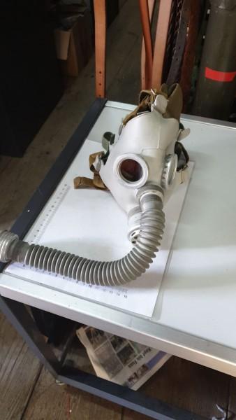 DDR Gasmasken ohne Filter ungebraucht