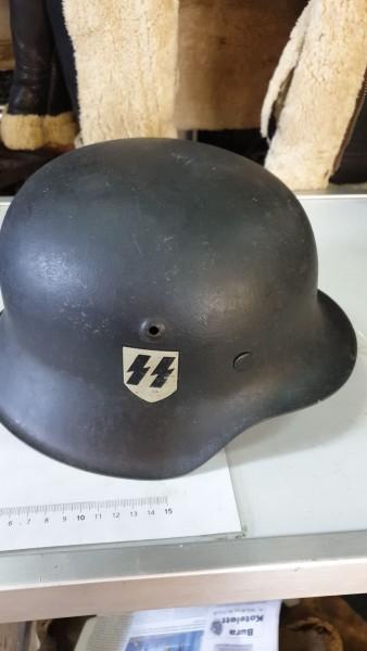 Orginal SS-Helm mit einseitigem Abzeichen