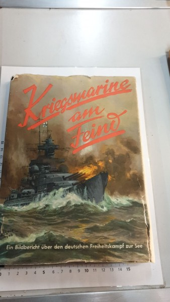 Kriegmarine am Feind Umschlag defekt Buch ok