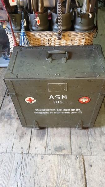 Kiste Medikamentens-Sortiment leer CH-Armee