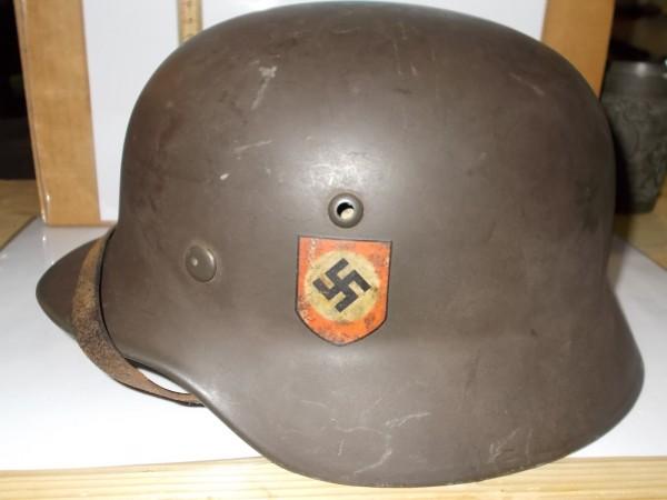 SS Helm, beidseitig Abzeichen